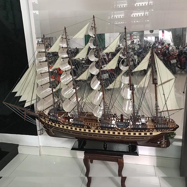 Thuyền chị Huyền